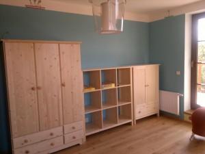 Nábytek dřevěný
